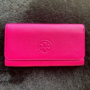 Tory Burch Bombe Continental Envelope Wallet